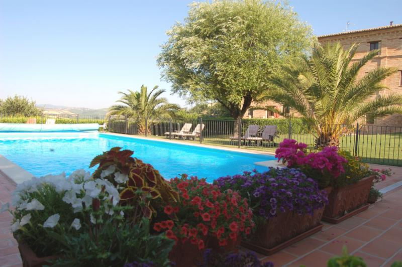 Relax by the pool - Luxury apartments in a stunning Country House - Mogliano - rentals