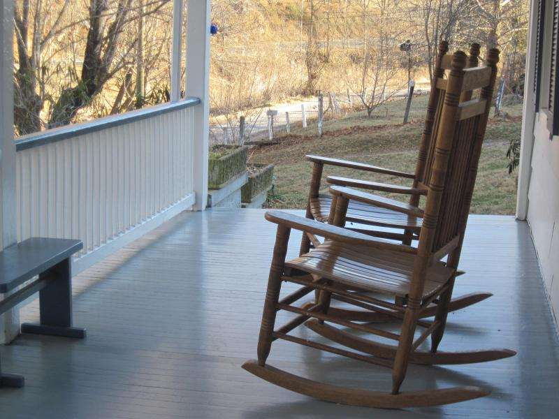 Front porch - Buffalo Creek at Lexington, Relax, Refresh, Rejuvenate - Lexington - rentals
