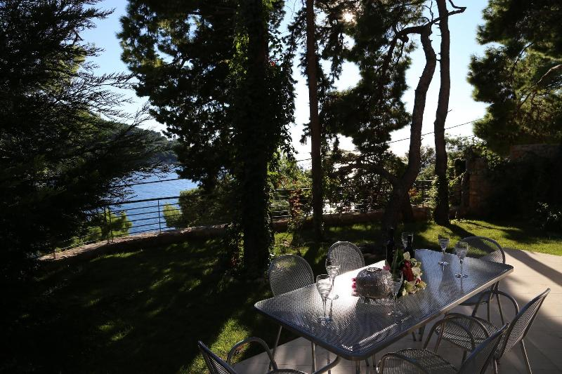 Luxury apartment Dubrovnik! First line to the sea! - Image 1 - Dubrovnik - rentals