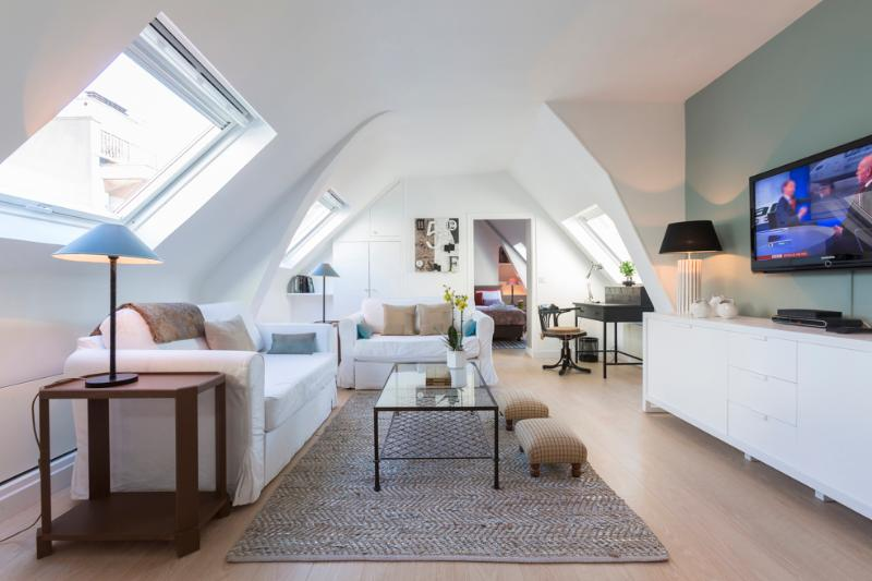 PARIS LUXURY PIED-A-TERRE SAINT-GERMAIN - Image 1 - 6th Arrondissement Luxembourg - rentals