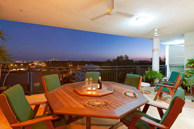 Balcony setting - View of Darwin - one of world's top 10 cities - Holtze - rentals