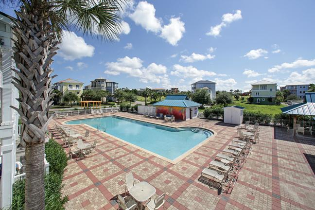 Relax on your back porch as you read or watch family and friends swim and sun - Paradise Found:  GREAT RATES, FANTASTIC RATES - Santa Rosa Beach - rentals