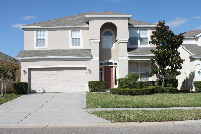 **5 Star Villa with Gym, Games Room, Pool & Spa!** - Image 1 - Kissimmee - rentals