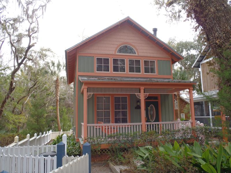 FRONT OF HOUSE - Peachtree House In Steinhatchee Landing Resort - Steinhatchee - rentals