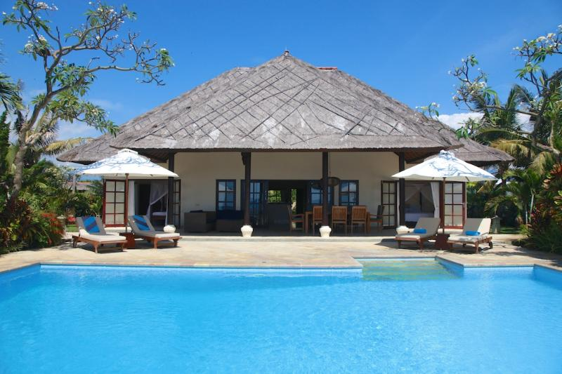 Villa Bersama: Live The Bali Dream In This Luxury Beach Front Villa With Staff! - Image 1 - Lovina Beach - rentals