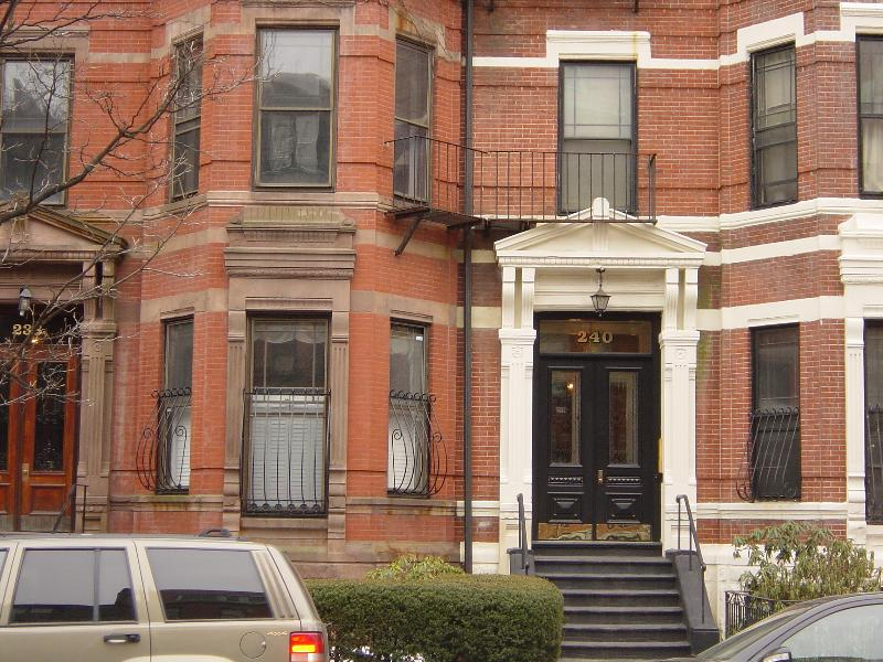 Traditional brownstone on quite street - One bedroom,  penthouse apartment in the Back  Bay - Boston - rentals
