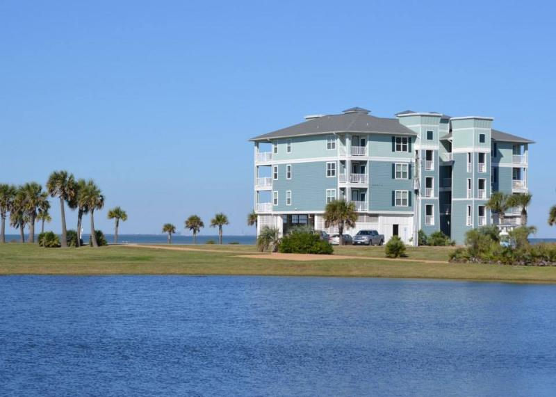 Waterfront Condo with Spectacular View - Waterfront Condo w Spectacular View in Resort Area - Galveston - rentals