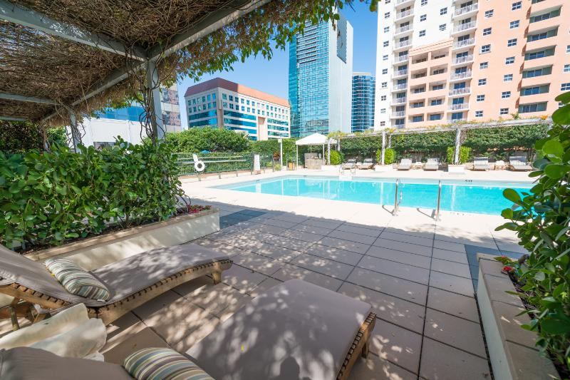 Private resident pool - Five Star Luxury 2br/2ba Condo At The Four Seasons - Miami - rentals