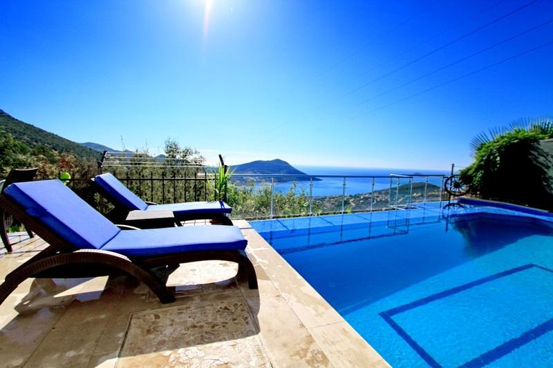 5 Bedroom Villa Rubi With Return Airport Transfer - Image 1 - Kozakli - rentals
