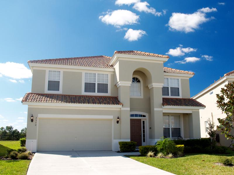 Front view of villa - Luxury 6 bedroom Windsor Hills Villa with pool and spa - Kissimmee - rentals