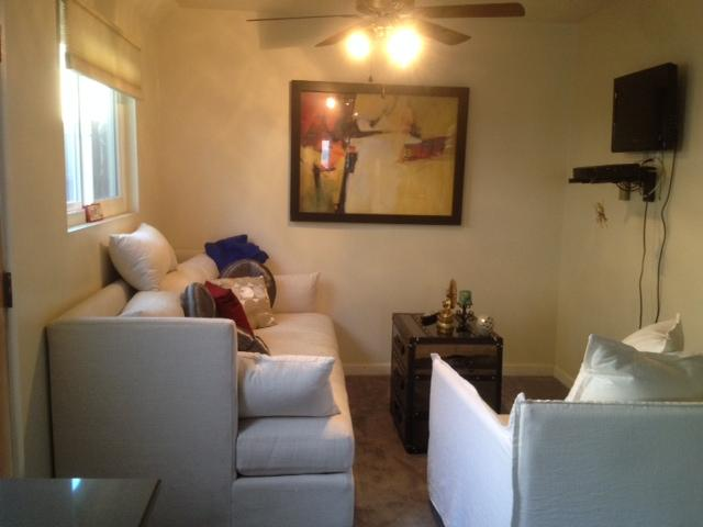Light Airy Private Comfortable Accommodations - 1 br Guest House 2 Blocks From Beach - Long Beach - rentals