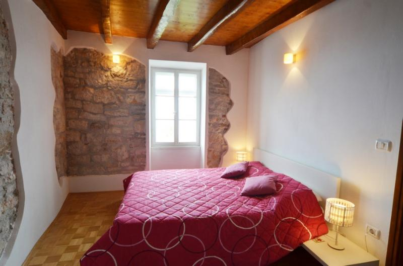 Seaview apartment in Rovinj - Image 1 - Rovinj - rentals