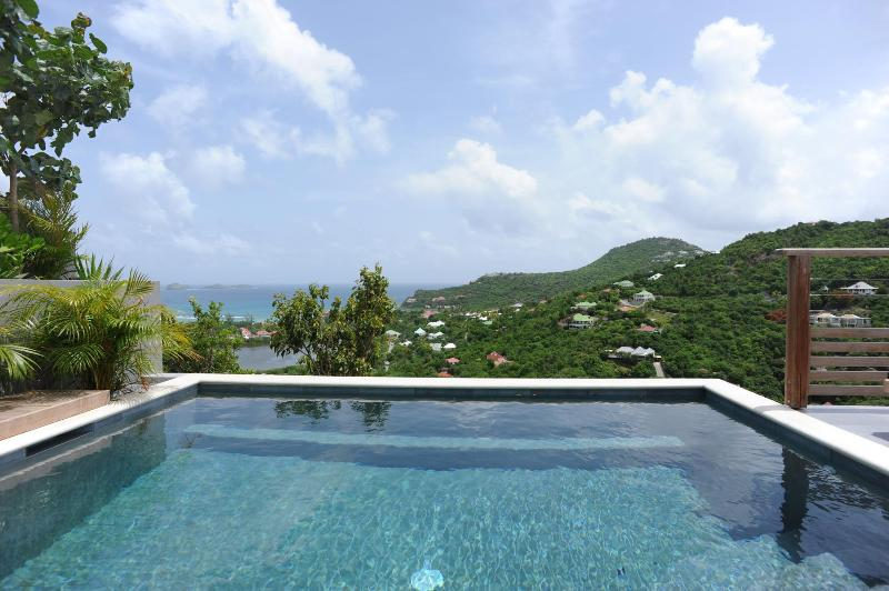 2 Bedroom Villa with Panoramic View of Saint Jean Bay - Image 1 - Saint Jean - rentals