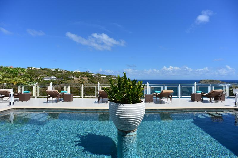 5 Bedroom Villa with Private Pool & Terrace in Marigot - Image 1 - Marigot - rentals