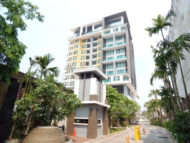 The top floor,right corner below penthouse,i80 degree views of all CM - The Shine, top floor right corner,5 star - Chiang Mai - rentals