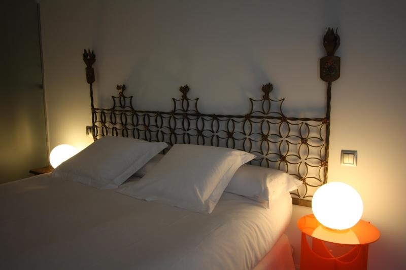 Bedroom - Vintage & Cool Designer Loft C/Mayor-Opera - Madrid - rentals