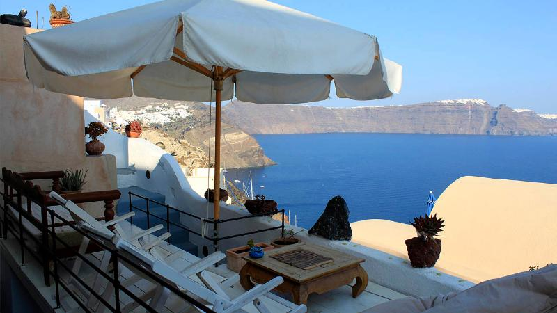 Zoe House 2 - Traditional cave house with fantastic seaview in Oia - Image 1 - Oia - rentals