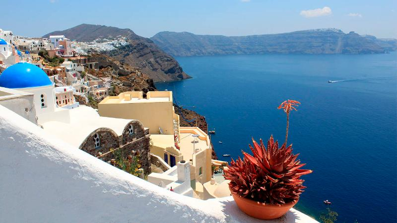 Zoe House 1 - Traditional cave house with fantastic seaview in Oia - Image 1 - Oia - rentals