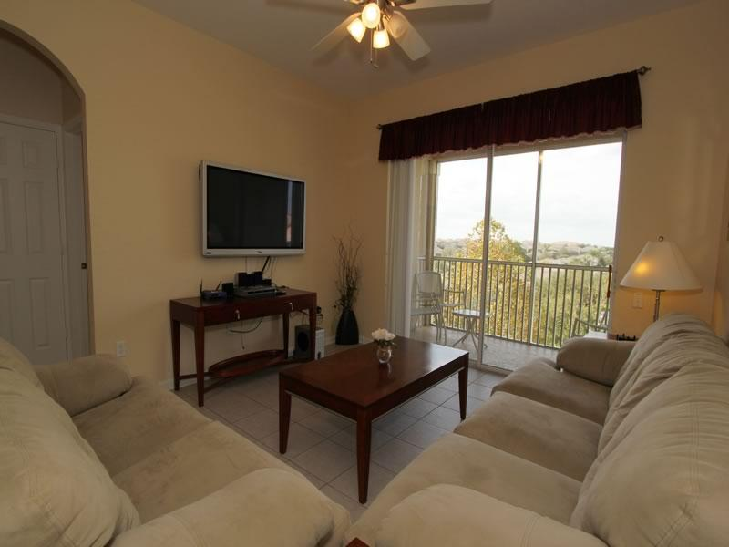 Homely 3 Bedroom Condo with Lake View near Disney! - Image 1 - Kissimmee - rentals