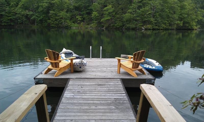 Tranquil Setting on Private Dock on Cedar Cliff Lake - Mountain Lake Front House on Cedar Cliff Lake - Tuckasegee - rentals