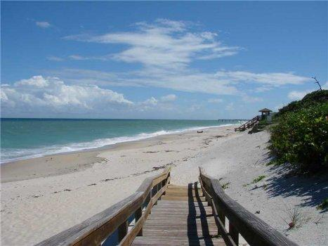 2 Bedroom beach condo Vero Beach Florida - Image 1 - Vero Beach - rentals