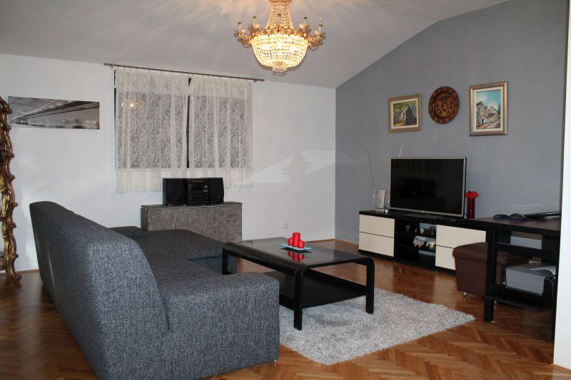 The living room is equipped with air conditioning, Tv,WDTV, WI-FI, HI-FI  - Sun and Sea - Podstrana - rentals