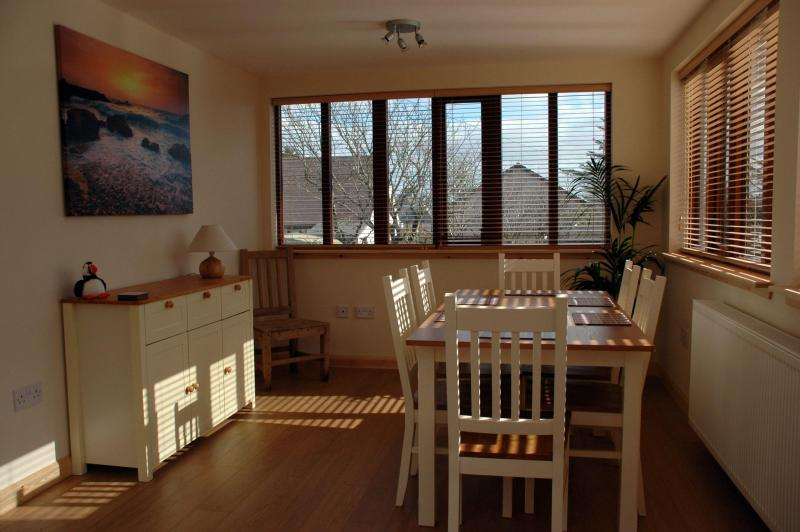 Dining Porch - Montfield Cottage Self Catering - Lerwick - rentals