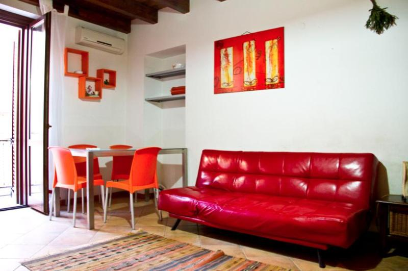 Living room - HomeHoliday San Lorenzo in the heart of Palermo - Palermo - rentals
