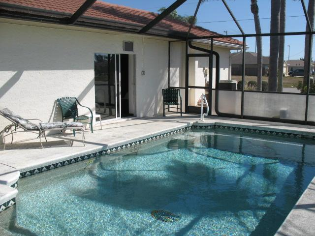 Heated Pool - Beautiful Vacation Pool Home on Fresh Water Canal - Cape Coral - rentals