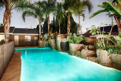 Entire Family will Love the Rock Slide Jungle Pool with Cave and Waterfalls...sweet! - *Disney Theme, Rock-slide Pool, Stage, Mini Golf* - Anaheim - rentals
