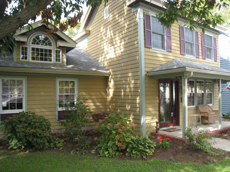 Front - Beautiful St. Michaels House Steps from Water and Town - Saint Michaels - rentals
