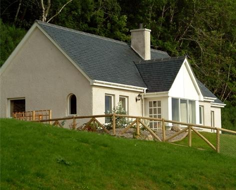 Lovely Loch View Cottage - Luxury Loch-side Cottage on Loch Ness - Abriachan - rentals