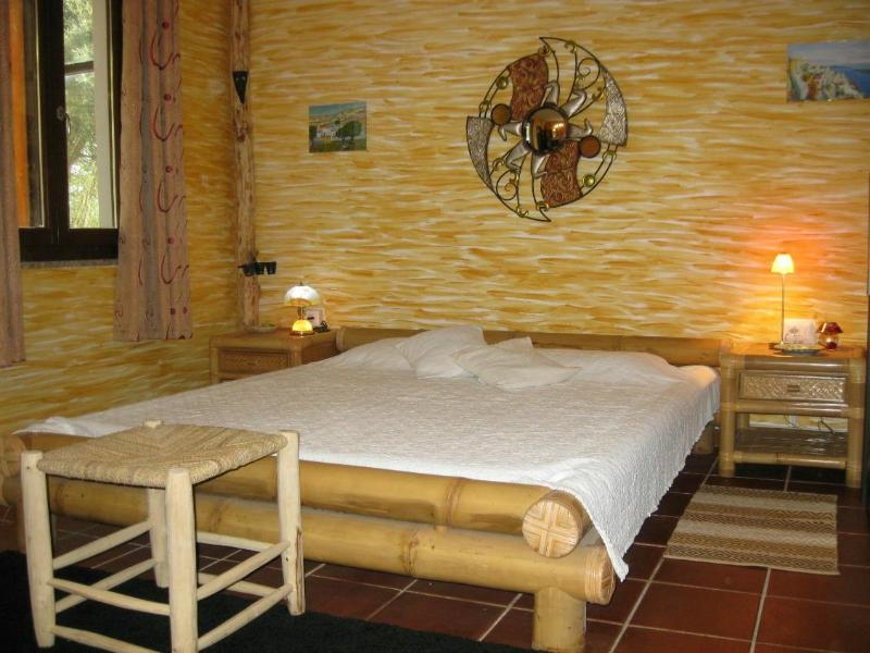 Double Room, bamboo bed - B&B Sardaferie - Cosy double Room on Sardinia's West Coast - Uras - rentals