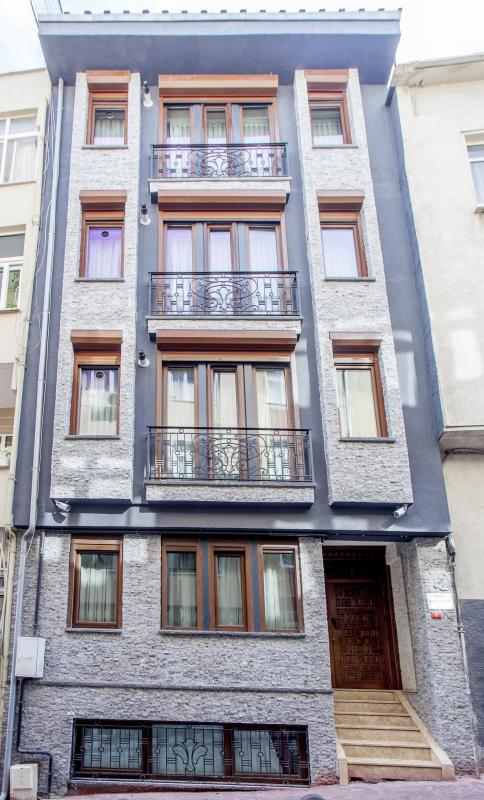 Oriental duplex apartment in the city - Image 1 - Istanbul - rentals
