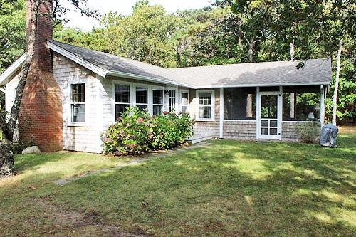 1662 - ISLAND COTTAGE WITH WATER VIEWS AND PRIVATE BEACH ACCESS - Image 1 - Edgartown - rentals