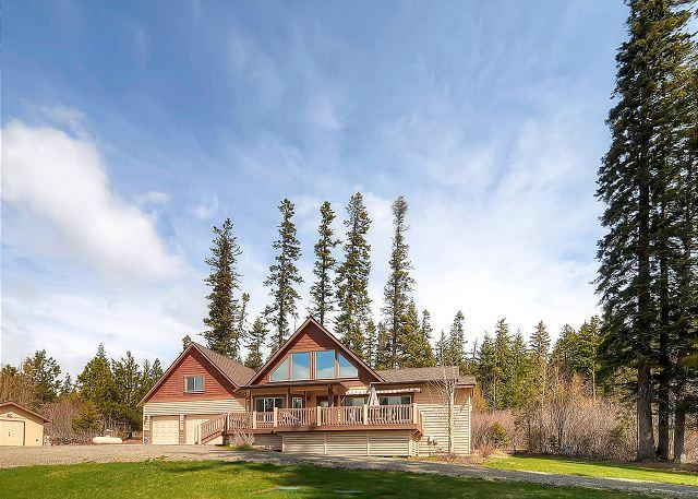 Over the TOP 5BD Private 4.5 acre Home! Near Lake Cle Elum*AC,Hot Tub* Slp14 - Image 1 - Cle Elum - rentals