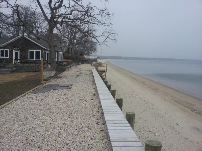 Miami Moons 20 Feet from High Tide - Image 1 - Cutchogue - rentals