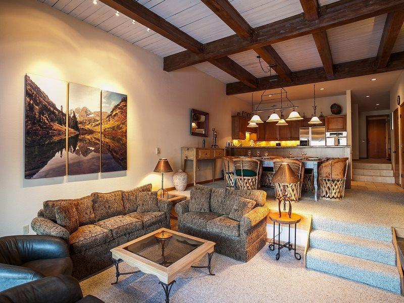 The Ridge at Snowmass Mountian  - The Ridge 34 with 3 Bedrooms, Sleeps 8, Communal Hot Tubs, Swimming Pool and Fitness Room - Aspen - rentals