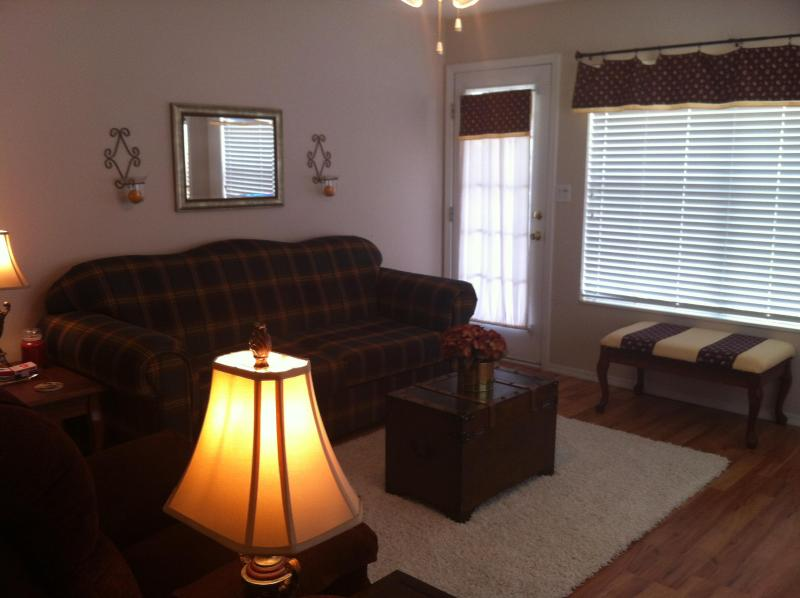 Comfortable, Family Friendly 2 BR/2 Bath Meadow Brook Condo W/Free Wifi - Image 1 - Branson - rentals