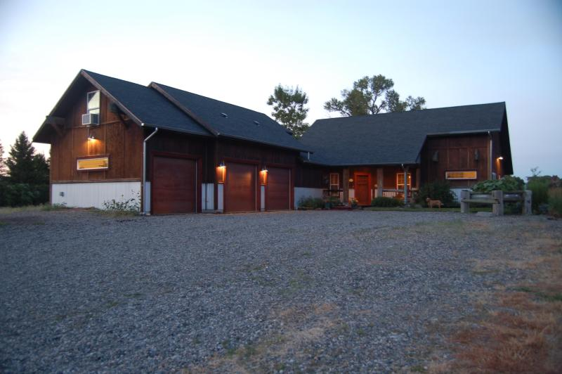Front View of 2000 Sq Ft House - On the Yellowstone River - Livingston - rentals