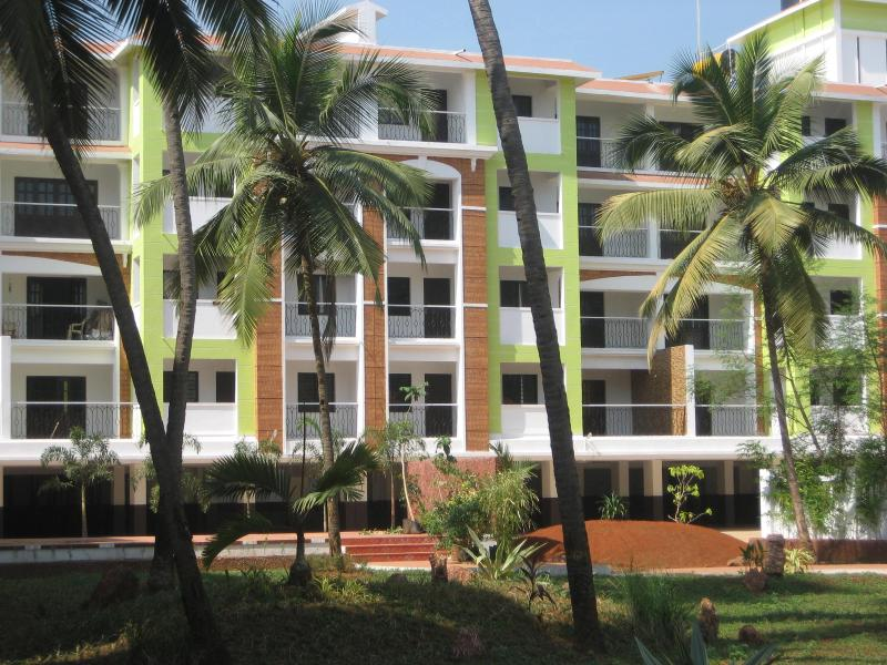 Elegantly styled apartment with excellent view - 1 BHK Boutique styled service apartment close to Candolim beach - Candolim - rentals