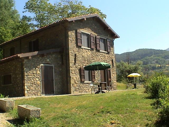 Eco-Friendly Farmhouse with horses C3 - Image 1 - Castiglione Di Garfagnana - rentals