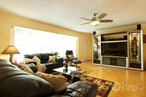 Cozy Family Vacation! - Image 1 - Fort Lauderdale - rentals