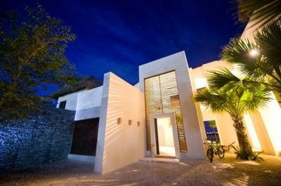 5 Bedroom Villa with Swimming Pool & Jacuzzi in Punta Cana - Image 1 - Punta Cana - rentals