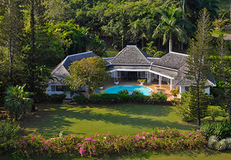 4 Bedroom Villa Adjacent to Tyrall Golf Course in Montego Bay - Image 1 - Montego Bay - rentals