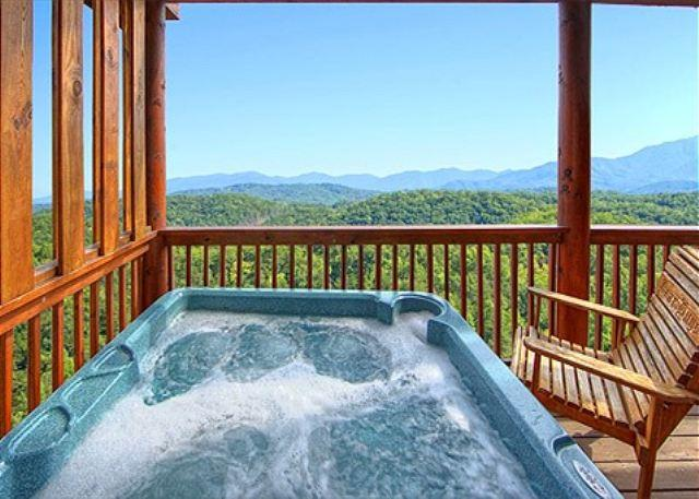 Hot Tub w/ Nice View of 3 Mountain Ranges - 4 BR CABIN WITH AMAZING VIEWS OF THREE MOUNTAIN RANGES & NATIONAL PARK! - Pigeon Forge - rentals