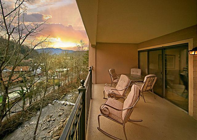Sunset from balcony at the Gatehouse - 2BR Luxurious Gatlinburg Condo w/ Mountain Views. August from $99! - Gatlinburg - rentals
