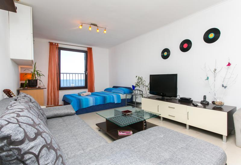 Seaview studio apartment - Image 1 - Dubrovnik - rentals