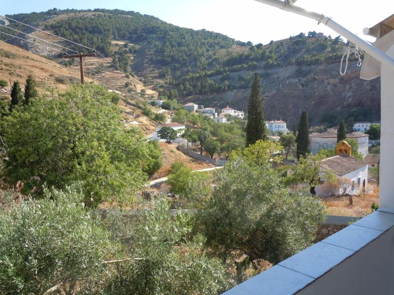 View to mountains from terrace - Total relaxation in car-free island II - Hydra - rentals