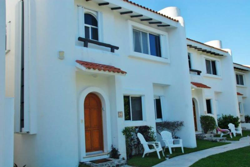 Casa Maya Entrance - Gorgeous 3 BR 3 BA Playacar Villa Great Pool! - Playa del Carmen - rentals